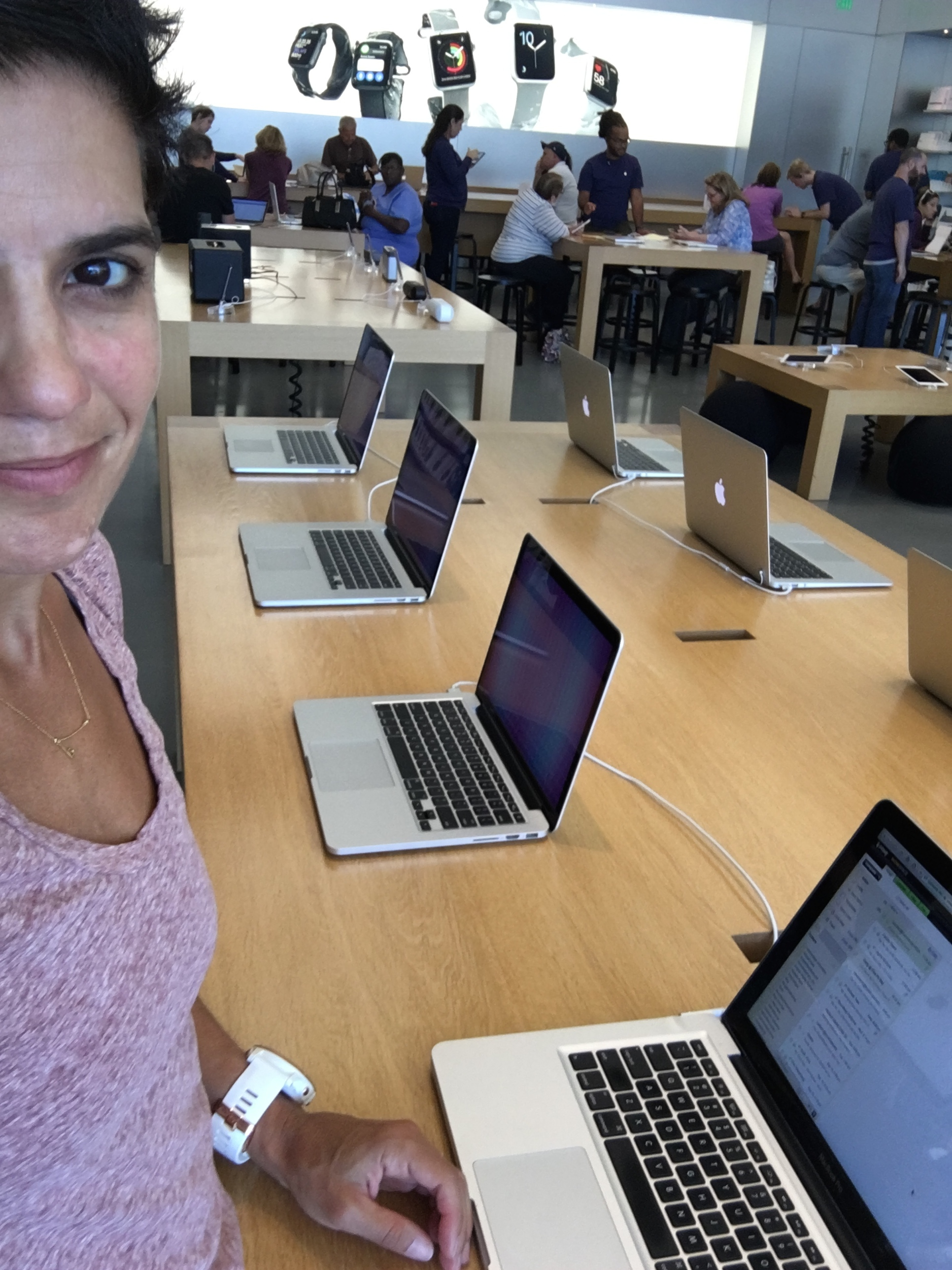 Working on my Mac at the Apple store while I wait for my appointment. #loser